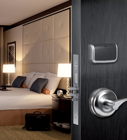 Входные двери в номера для гостиниц и отелей
