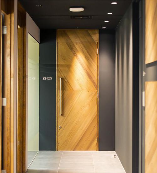 Деревянные звукоизоляционные двери